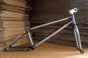 anthem-jib-22-inchframe-and-fork-kit